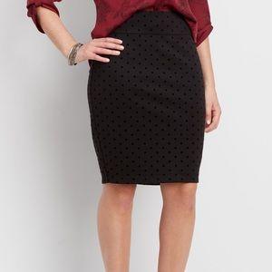 Black stretchy pencil skirt.